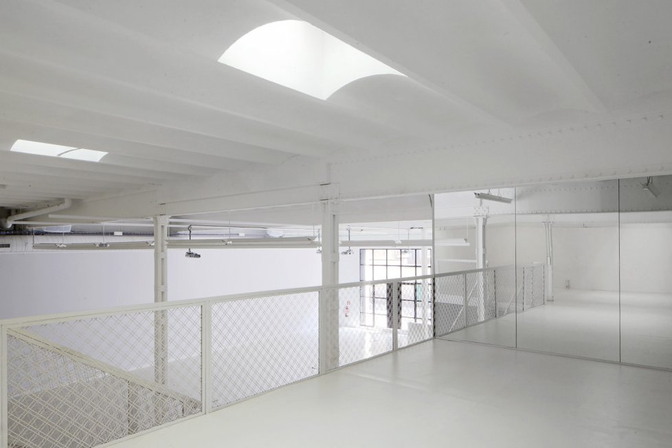Bright White Venue4