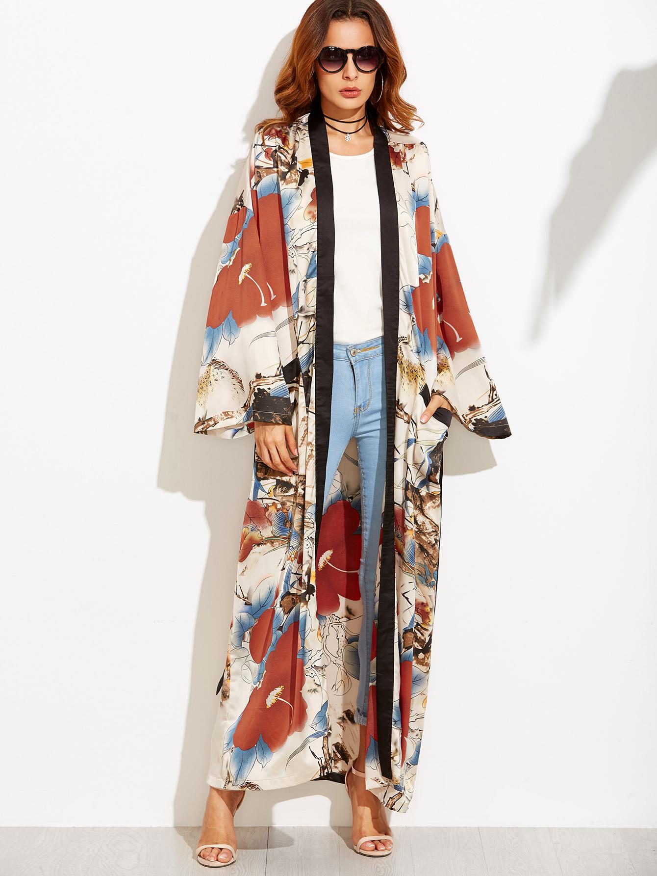 japanese influence on fashion kimono capture models. Black Bedroom Furniture Sets. Home Design Ideas