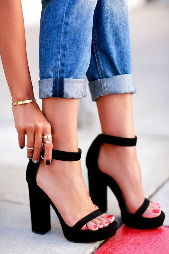 10 tips for walking in high heels