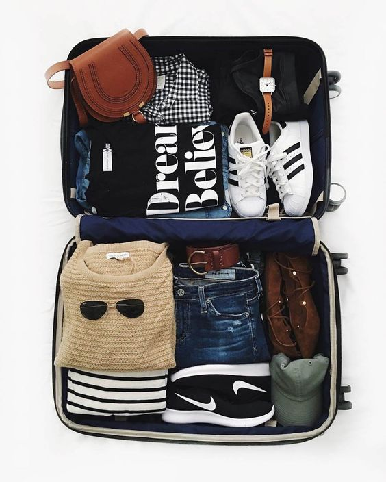 What to pack for a mid-season week-end in Barcelona